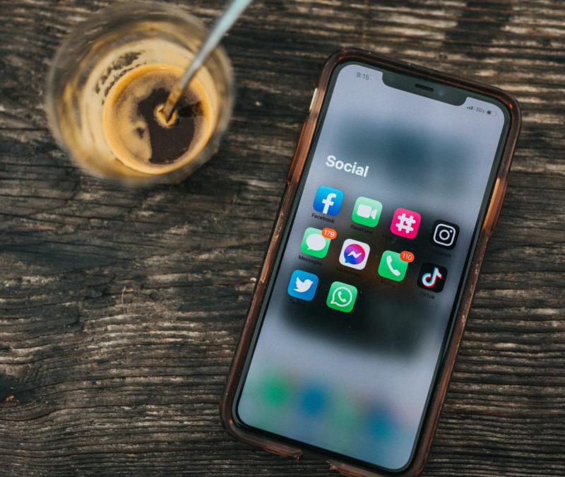 3,2 billion dollars have been spent on social apps in H1 2021!